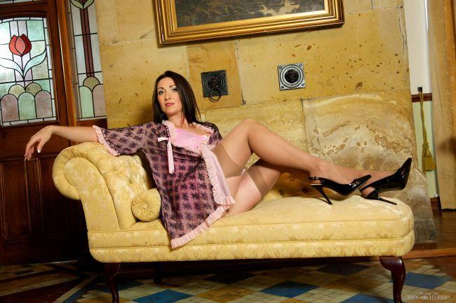 vintage lingerie, stockings, stilettos, Miss Hybrid, nylons, DP, toys,